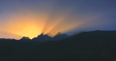 First rays (SteveJ442) Tags: sun sunrise dawn morning mountains hills lightbeams landscape nature nikon