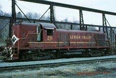 LV 211 RS3 Allentown, PA. 03-18-1977 (jackdk) Tags: train railroad railway roster alco locomotive locomotiveroster alcors3 rs3 lehighvalley lv cr conrail engineterminal hammerhead