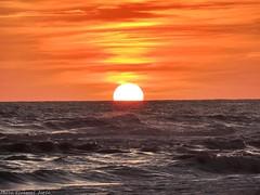 Tramonto di fuoco (ioriogiovanni10) Tags: nikon passione goodnight buonaserata sunset spiaggia mare sole rosso cielo coolpix tramonto sun