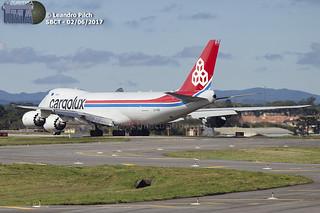 Operações e Decolagem / Cargolux B748
