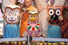 Snana Yatra 2017 - ISKCON-London Radha-Krishna Temple, Soho Street - 04/06/2017 - IMG_2980 (DavidC Photography 2) Tags: 10 soho street london w1d 3dl iskconlondon radhakrishna radha krishna temple hare harekrishna krsna mandir england uk iskcon internationalsocietyforkrishnaconsciousness international society for consciousness snana yatra abhishek bathe deity deities srisri sri lord jagannath baladeva subhadra 4 4th june summer 2017