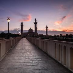 Pathway toward the Light (Md Farhan's Gallery) Tags: sunrise malaysia lensamalaya nationalgeographic mosque masjidtengkuampuanjemaah selangor fujifilm fujinon xt1 xf1024mm landscape bridge path sky cloud dawn travel tourism