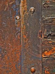 IMG_0039 (gianmaria.colognese) Tags: ferro ruggine rust materia legno croste crusty