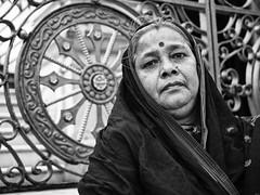 Kolkata -  Woman b/w (sharko333) Tags: travel voyage reise street india indien westbengalen kalkutta kolkata কলকাতা asia asie asien people portrait woman olympus em1 bw