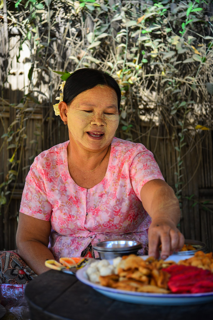 a traditional meal in myanmar Things myanmar search this site welcome  gentle music will be played with the traditional harp and xylophone  or a complete meal with rice and curry,.