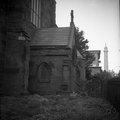 (patrickjoust) Tags: tlr twin lens reflex 120 6x6 medium format black white bw home develop discontinued expired film blancetnoir blancoynegro schwarzundweiss manual focus analog mechanical patrick joust patrickjoust baltimore maryland md usa us united states north america estados unidos urban street city gothic cross church stone fence washington monument mount vernon mt