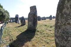 104 Carnac - Alignements de Kermario (Photos et Voyages) Tags: carnac morbihan bretagne alignements kermario menhir