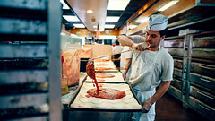 L&B Spumoni Gardens (Dj Poe) Tags: brooklyn nyc ny bklyn pizza pizzeria andrewmohrer djpoe 2017 lbs spumonigardens classic legendary kitchen pie pizzapie sonyilce7rm2 zeisscameralenses carlzeisslenses zeiss sony availablelight people color tones cinema cinematic candid portrait 25mm distagont225 zf2