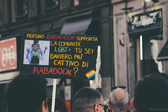 babadook | milano pride 2017. (Nicole Favero) Tags: blu pride lgbt loveislove amazing mine cute cool awesome forever followme supporter supporting straight love people wonderful crazy nikon nikond5000 camera effect lightroom lens vsco vscoeffect cam milano milan gaypride gay lesbian transgender bisexual asexual babdook babadook italy
