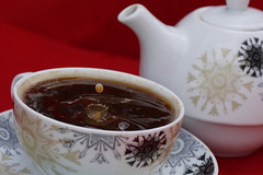 Kaffeetropfen22 (jugglingpics) Tags: drops tropfen kaffee tee dripsdropsandsplashes