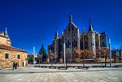 Palacio episcopal de Astorga (marijeaguillo) Tags: arquitectura neogótico palacioepiscopal astorga