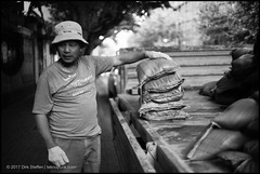 3.5cm f1.8 W-Nikkor (teknopunk.com) Tags: asian c asia 35f18wnikkorltmsn182302 bw china blackwhite photography location chinese leicammonochromtyp246sn4963868 35mmlens w people worker o blackandwhite oneman gear monochrome working