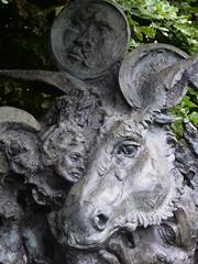 Greg Wyatt, A Midsummer Night's Dream (jacquemart) Tags: shakespeare shakespearebirthplacetrust garden sculpture bronze greg wyatta midsummer nights dream newplace