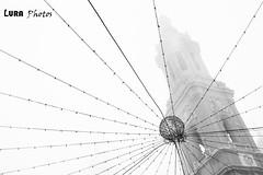 Días de niebla (lura photos) Tags: niebla bn bw monocromo monochrone zaragoza navidad torre elpilar luraphotos blancoynegro