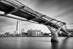 Millenium Bridge and Shard (Bernhard Sitzwohl) Tags: london milleniumbridge shard thames bw lee river longexposure leefilter city urban travel tate modern 2017 monochrome bridge tower greatphotographers themse fluss