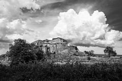 Once upon a time, in Provence (Giuli Musico) Tags: provenza blackandwhite landscape clouds sky ruins house build provence