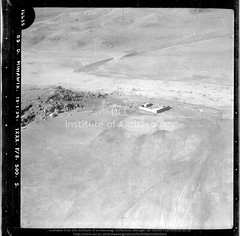 No ref (14455 of 'Muhawir-Wadi Khidr-Wadi Jabariya' roll) Qasr Muhaiwir / Mheywer (APAAME) Tags: blackwhite cellulosenegative oblique royalairforce scannedfromnegative siraurelstein uclinstituteofarchaeology uclinstituteofarchaeologyspecialcollections aerialarchaeology aerialphotography middleeast airphoto archaeology ancienthistory