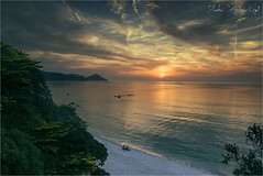 La scatola dei ricordi... (Cristian Lupi 72) Tags: tramonto mare sole acqua sea sunset rosso toscana elba isoladelba holydays ricordi calma silenzio nikon d600 d610 2470f2 8 tuscany italy italia cielo sky nuvole clouds