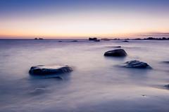 POSE LONGUE AU LEVER DU JOUR (brijjour) Tags: poselongue mer rochers bretagne littoral sunrise leverdusoleil ciel lumière nature landscape paysage seascape rocks ocean atlantique