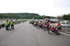IMG_9338 (Christophe BAY) Tags: mobyltettes francorchamps 2017 rétromobile club spa circuit moto vespa camino flandria