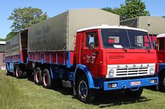 KAMAZ truck (Schwanzus_Longus) Tags: wilhelmshaven german germany old classic vintage truck lorry lkw laster lastwagen flatbed trailer freight cargo transport coe cab over engine russia russian udssr ussr soviet kamaz 5410