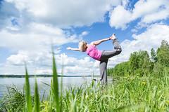 yoga by a lake (VisitLakeland) Tags: jooga joga yoga lakeland finland wellness hyvinvointi relax rentoutuminen balance tasapaino harmony harmonia lake järvi shore ranta beach green blue