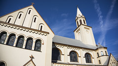 Wide Church - Sony a6000 + E PZ 16-50mm f/3.5-5.6 (Teilor Lopes) Tags: sony a6000 emount selpz1650mm f35 135 igreja hamburgo velho rs novohamburgo church sky blue 16mm paróquia nossa senhora da piedade