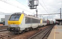 SNCB/NMBS electric locos 1305/1313 Antwerpen Berchem (jc_snapper) Tags: sncb nmbs antwerpen antwerp anvers berchem train trein freighttrain electrictrain electriclocomotive electricloco locomotive elok alstom serie13 class13