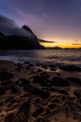 Praia Vermelha - Rio de Janeiro (mariohowat) Tags: sunrise pãodeaçucar morrodopãodeaçucar sugarloaf amanhecer alvorada natureza riodejaneiro canon6d canon praiavermelha praiasdoriodejaneiro brasil brazil