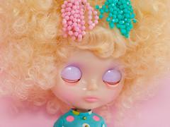 Mod Dress Spam! (Helena / Funny Bunny) Tags: funnybunny solidbackground blythe jewelsymphony sprightbeauty custom rbl
