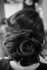 HER (viz photo) Tags: yellow escher hair wedding bride brideshair hairdo bridalmorning preparations matrimonio hochxeit boda bw bn blackandwhite biancoenero weddingphotography bel20maggio
