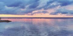 Teater, känns det som. (sofjet) Tags: colors beach scandinavia clouds sun sunset seascape sea ocean water denmark sweden copenhagen öresund malmö