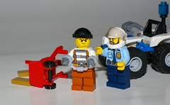 UNDER ARREST ! (kingkong21) Tags: lego atv arrest robber police