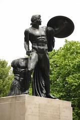 Hyde Park Corner / Statue (D.Ski) Tags: hydeparkcorner greenpark wellingtonarch ww2 memorial warmemorial london uk england