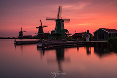 my lucky morning to witness this wonderful morning :) (Pastel Frames Photography) Tags: holland zaanse schans wind mill village morning sunsrise canon5dmark3 canon1635mm mills colours travelphotography landscapephotography travel sightseeing wonderful sky