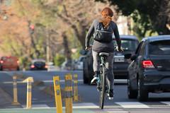 BDT [desconocido de espaldas] (Letua) Tags: bdt2017 buenosaires lvm asfalto autos bicicleta bike calle chica espaldas pelirroja persona redhair retrato robado urbana