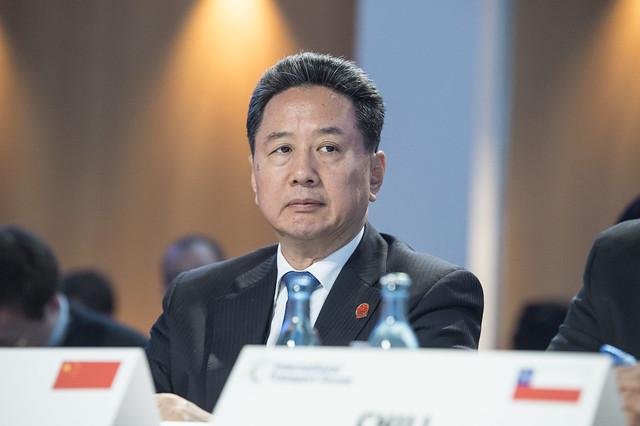 Xiaopeng Li in session