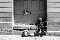 3 Strasbourg (faneitzke) Tags: portfolio canont5eos1200d canon canont5 france frança francia summer verão été printemps primavera spring exchangestudent intercâmbio studentexchangeprogram rye ryep strasbourg estrasburgo alsace grandest strasburg basrhin blackwhite blackandwhite noiretblanc blancetnoir pretoebranco pb bw monocromático monochromatic travelling trip travel traveling traveler traveller juin june junho people gente pessoas gens oldman