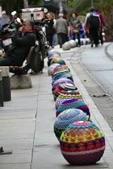 Knitting patterns / Strickmuster (JB Fotofan) Tags: istanbul kadıköy turkey türkei türkiye streetphotography streetfoto streetart lumixfz1000 artwork