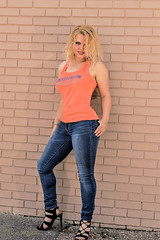 HI0A21811 (fotodan57) Tags: canon country cute carshow awesome wild beautiful blond greateyes greeneyes girl jeans outdoor outside outdoors young people posing portrait inshape nice teaser tomboy relaxed eyes friendly face fun orange sweet sunny smile