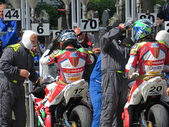 Team Mates (The Stig 2009) Tags: stevemercer ivan lintin steve mercer iom tt races refuelling pits thestig2009 thestig stig 2009 2017 tony o tonyo