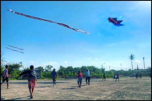 #kite season in #bali - #baliretreat2018 #wellnessretreat #ecoluxury #yogini #flyhigh