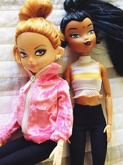 Loving this pink sweatshirt (The Dollhouse of Usher) Tags: redhead india girlz capricorn zodiac party summer doll wilco teens wee