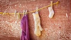 lost (chantalliekens) Tags: edmonton canada 2017 atthedogpark things lost stilllife outdoor nikon nikond600 clothes sock glove