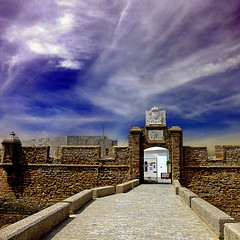 Cádiz, Castillo de Santa Catalina (pom.angers) Tags: panasonicdmctz30 april 2017 españa spain andalucìa andalusia cádiz europeanunion castillodesantacatalina sky clouds castle 100 150 200