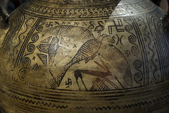 "Boeotian Pottery – Eagle and Hare (egisto.sani) Tags: atene man museoarcheologiconazionale vasi ""pithos amphora"" ""anfora pithos"" artemis artemide ""potnia theron"" ""boeotian pottery"" ""ceramiac beota"" ""greek ""ceramica greca"" ""arte creca"" ""greek art"" ""late geometrical period"" ""periodo tardo geometrico"" ""lg beozia boeotia thebes tebe athens ""national archaeological museum"" ""museo archeologico nazionale"" nm 200"