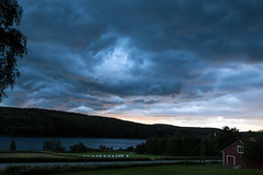 Storm Brewing - _TNY_5701 (Calle Söderberg) Tags: canon landscape sky storm clouds canon5dmkii canoneos5dmarkii tamron tamronafsp247028divcusd blue evening lake sunset eyeinthesky darkclouds åskmoln platinumheartaward oväder moln cloud badweather f8 tamronaf2470mm tamronaf2470mmf28divcusd 5d2