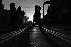 (Claudio Blanc) Tags: street streetphotography buenosaires bw bn blackandwhite blancoynegro argentina fotografíacallejera silueta silhouette silhoutte