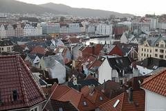 Bergen Roofs (Daniele Sartori) Tags: norway norvegia bergen winter inverno europa europe travel viaggio trip nikon d600 city città roof tetto camino chimney smoke fumo