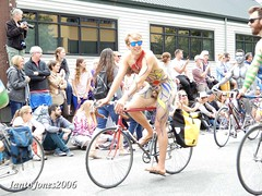 DSCN2182 (IantoJones2006) Tags: fremont solstice cyclists 2017 naked bike seattle parade nude painted body paint bicycle